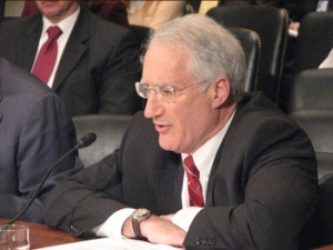 NEI CEO Marvin Fertel. Photo from Senate Environment Committee.